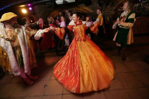 Medieval-Banquet.jpg